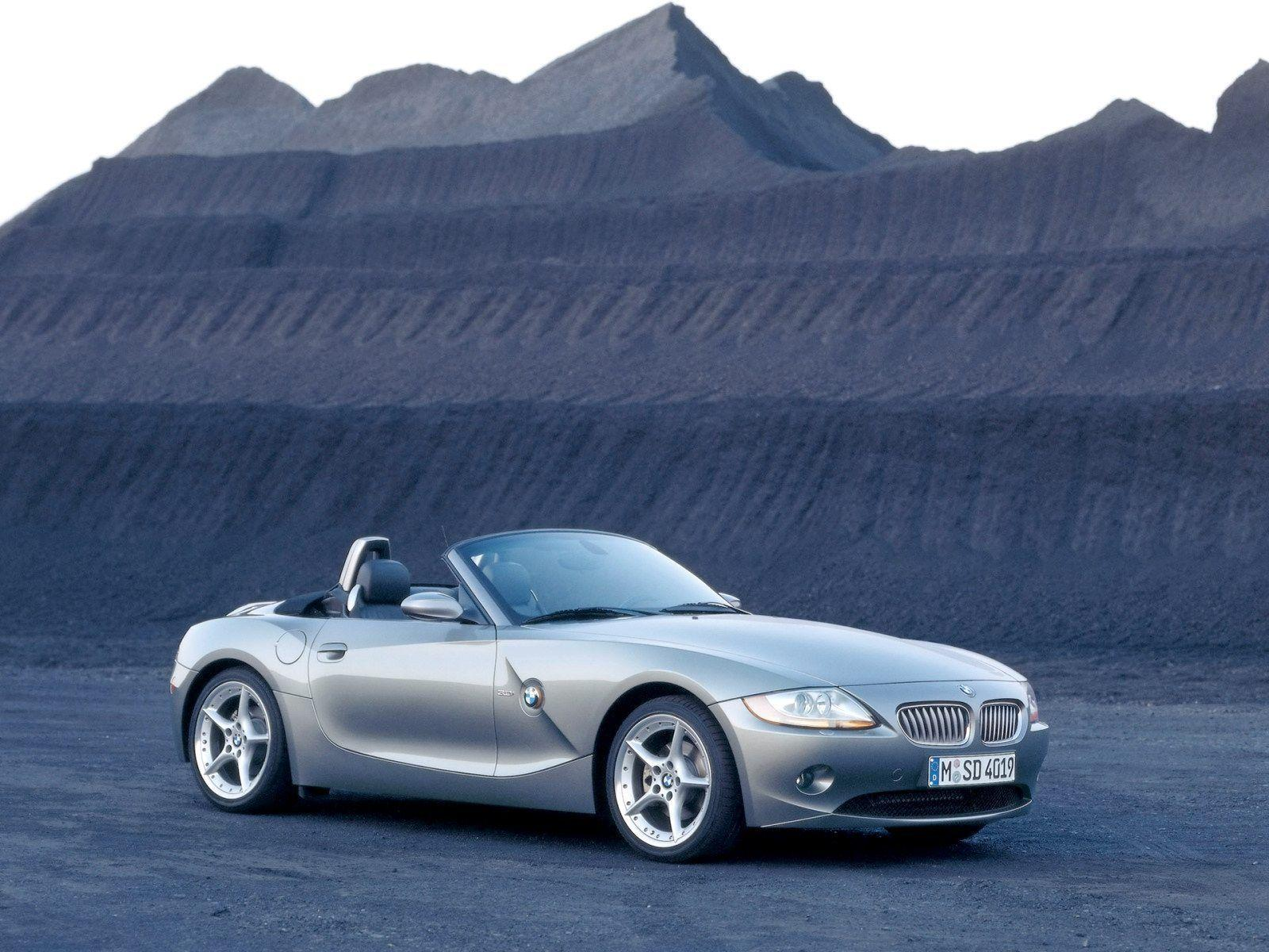 BMW Z4 Roadster Wallpaper 02 - 1600x1200