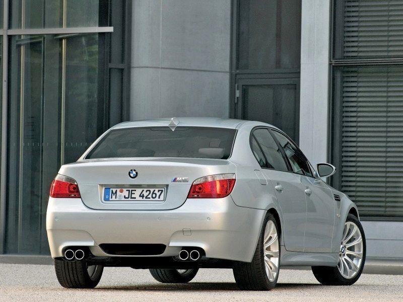 2005 BMW M5 Wallpaper 03 - 800x600