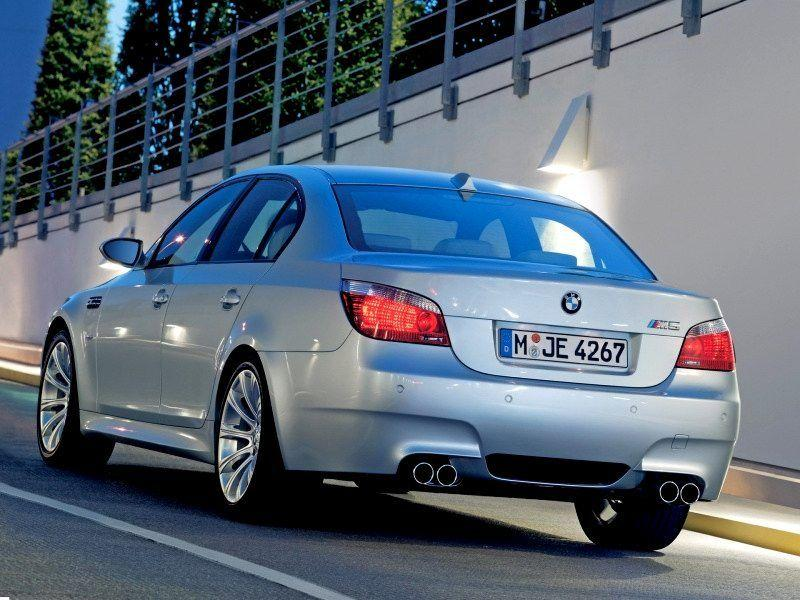 2005 BMW M5 Wallpaper 07 - 800x600