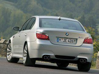2005 BMW M5 Wallpaper 08