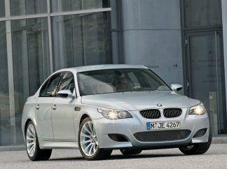 2005 BMW M5 Wallpaper 06